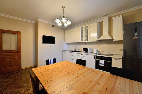 Сдается 3-комнатная квартира посуточно в Химках, улица Ватутина, 4к1.