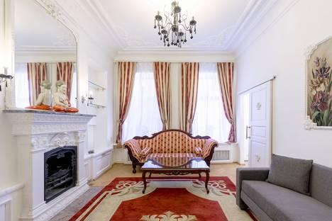 Сдается 3-комнатная квартира посуточно в Санкт-Петербурге, Кирочная улица, 27.