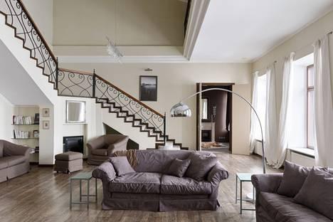 Сдается 6-комнатная квартира посуточно в Санкт-Петербурге, Адмиралтейская набережная 10.