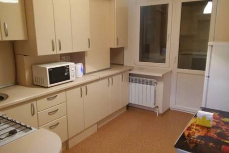 Сдается 1-комнатная квартира посуточно в Альметьевске, улица Радищева, 3а.