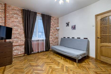 Сдается 1-комнатная квартира посуточно в Санкт-Петербурге, Ярославский проспект, 38.