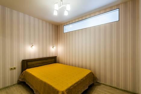 Сдается 2-комнатная квартира посуточно в Самаре, улица Маяковского, 95.