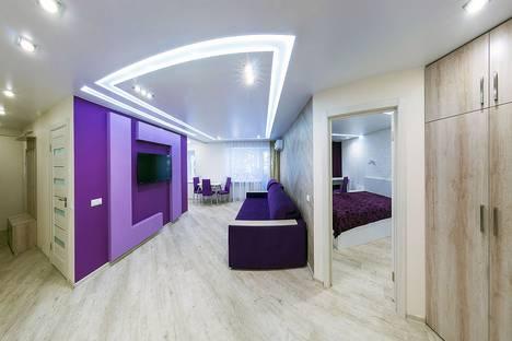 Сдается 2-комнатная квартира посуточно, проспект Карла Маркса, 6.
