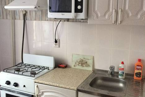Сдается 1-комнатная квартира посуточно в Нижнем Тагиле, улицаЛиповый тракт дом 38.