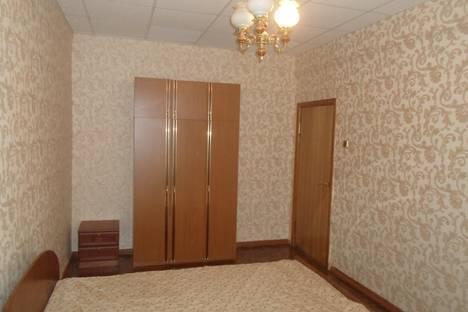 Сдается 3-комнатная квартира посуточнов Казани, Петербургская 62.