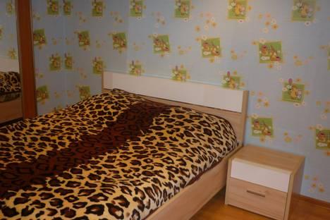 Сдается 2-комнатная квартира посуточно в Ангарске, 13 микрорайон 12 дом.