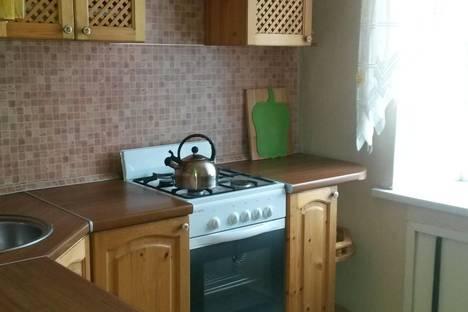Сдается 2-комнатная квартира посуточно в Череповце, ул. Верещагина, 47.