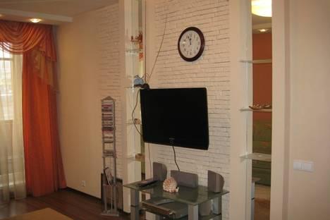 Сдается 2-комнатная квартира посуточно в Петрозаводске, Лососинское шоссе, 36.
