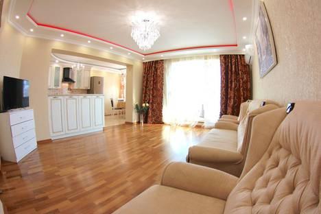 Сдается 2-комнатная квартира посуточно в Сочи, улица Черноморская, 10.