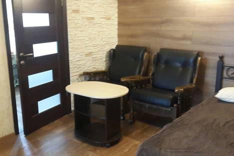 Сдается 2-комнатная квартира посуточно в Ялте, улица Московская, 23.