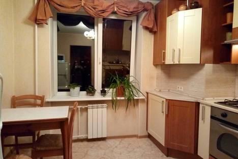 Сдается 2-комнатная квартира посуточно в Санкт-Петербурге, ул Турку 20 к.1.