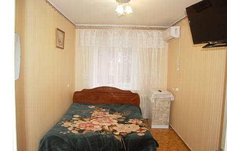 Сдается 2-комнатная квартира посуточно в Партените, улица Солнечная, 7.