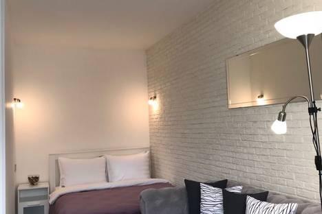 Сдается 1-комнатная квартира посуточно в Москве, ул. Кахаовка, 7к2.