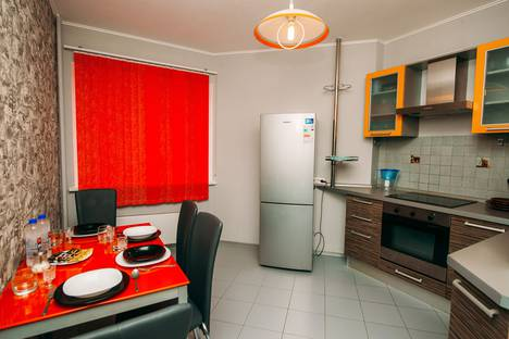 Сдается 2-комнатная квартира посуточно, проспект Маршала Жукова, 88.
