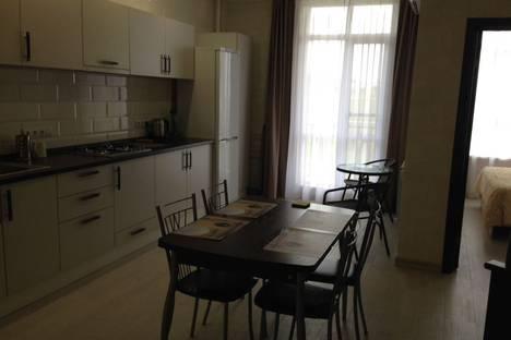Сдается 2-комнатная квартира посуточно в Геленджике, Крымская улица, 19.