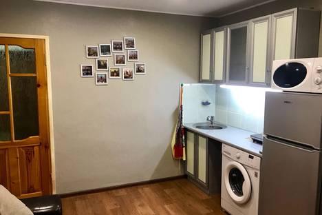 Сдается 2-комнатная квартира посуточно в Балашове, улица 30 Лет Победы, 168.