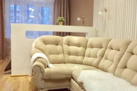 Сдается 1-комнатная квартира посуточно в Омске, улица Туполева, 4.