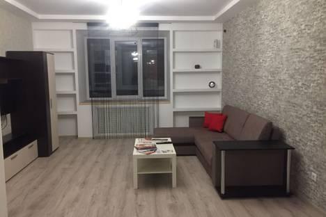 Сдается 1-комнатная квартира посуточно, бульвар 30-летия Победы 15г.