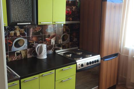 Сдается 1-комнатная квартира посуточно в Нижневартовске, улица Героев Самотлора, 20.