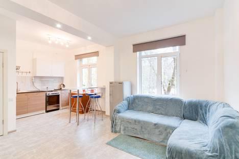 Сдается 2-комнатная квартира посуточно в Москве, 1-й Хорошевский проезд 12к3.