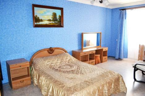 Сдается 1-комнатная квартира посуточно в Шахтах, проспект Победа Революции, 128А.