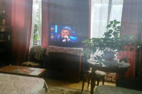 Сдается комната посуточно в Ломоносове, Санкт-Петербург, Кирочная улица, 48.