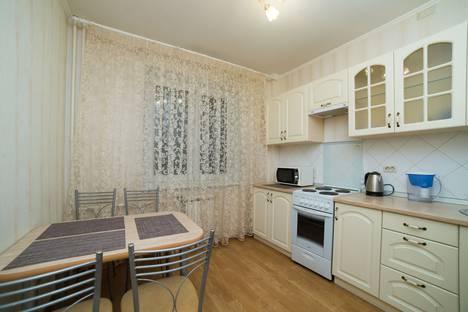Сдается 2-комнатная квартира посуточно в Челябинске, улица Яблочкина, 21.