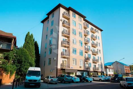 Сдается 1-комнатная квартира посуточно в Адлере, Большой Сочи, улица Тюльпанов, 3.