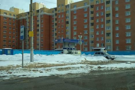 Сдается 2-комнатная квартира посуточно в Чебоксарах, улица Богдана Хмельницкого, 49.