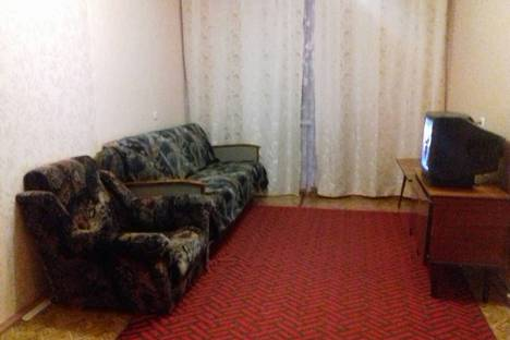 Сдается 2-комнатная квартира посуточно в Чебоксарах, улица Гагарина, 35.