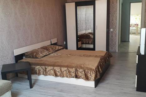 Сдается 1-комнатная квартира посуточно в Краснодаре, улица есенина 104.