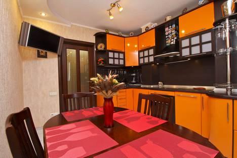 Сдается 2-комнатная квартира посуточно в Сургуте, улица 30 лет Победы, 39.