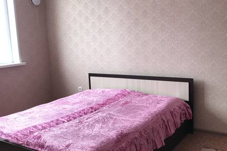 Сдается 1-комнатная квартира посуточно в Старом Осколе, микрорайон Степной, д.10.