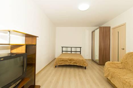 Сдается 1-комнатная квартира посуточно в Екатеринбурге, Рассветная улица, 8/1.