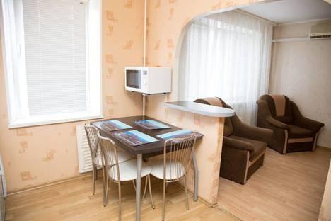 Сдается 2-комнатная квартира посуточно в Ижевске, улица Карла Либкнехта, 26.