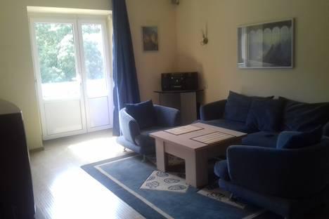Сдается 2-комнатная квартира посуточно, улица Лермонтова, 20.