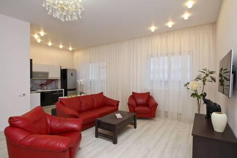 Сдается 3-комнатная квартира посуточно в Сургуте, Университетская улица, 11.
