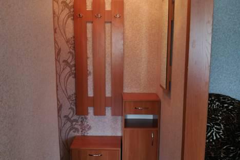 Сдается 2-комнатная квартира посуточно в Яровом, квартал Б, 16.