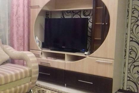 Сдается 1-комнатная квартира посуточно в Камышине, улица Некрасова, 7.