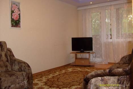 Сдается 2-комнатная квартира посуточно в Новополоцке, улица Блохина, 13.