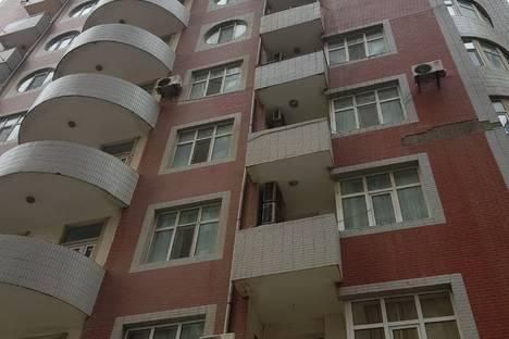 Сдается 3-комнатная квартира посуточно в Баку, Bakı, Həsən Salmani 5.