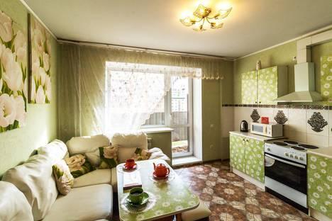 Сдается 1-комнатная квартира посуточно в Омске, улица Дианова, 25.