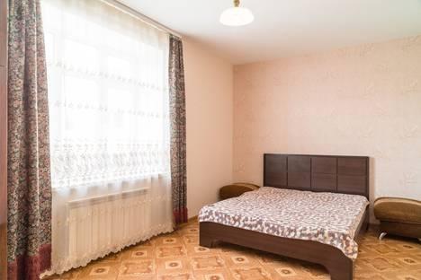 Сдается 2-комнатная квартира посуточно, улица Щапова, 13а.