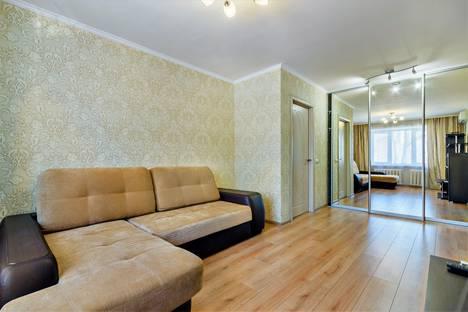 Сдается 2-комнатная квартира посуточно, переулок Халтуринский, 130/1.