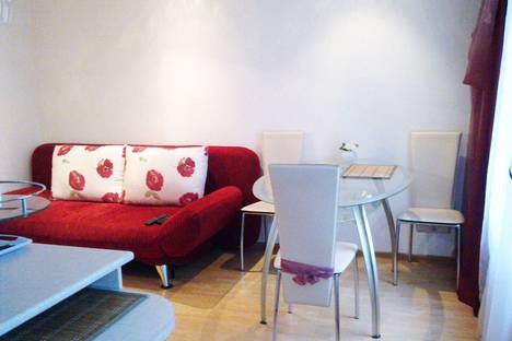 Сдается 2-комнатная квартира посуточно в Сыктывкаре, улица Коммунистическая, 48.