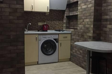 Сдается 1-комнатная квартира посуточно в Адлере, Большой Сочи, улица Жемчужная, 6.