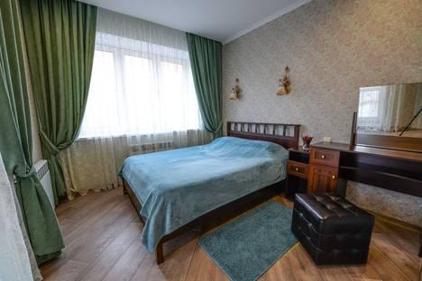 Сдается 2-комнатная квартира посуточно в Омске, улица 13 Линия, 37/4.