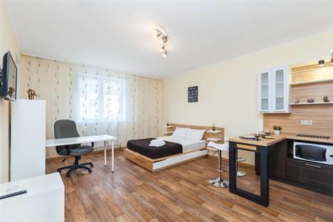 Сдается 1-комнатная квартира посуточно в Тюмени, проезд Геологоразведчиков, 44а.