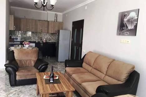 Сдается 2-комнатная квартира посуточно в Батуми, Batumi, Zurab Gorgiladze Street, 105.