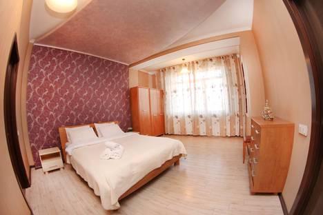 Сдается 3-комнатная квартира посуточно в Алматы, улица Навои, 60.
